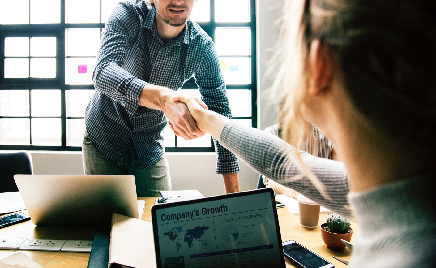 7 Beneficial Things to Help You Hire Your First Employees handshake