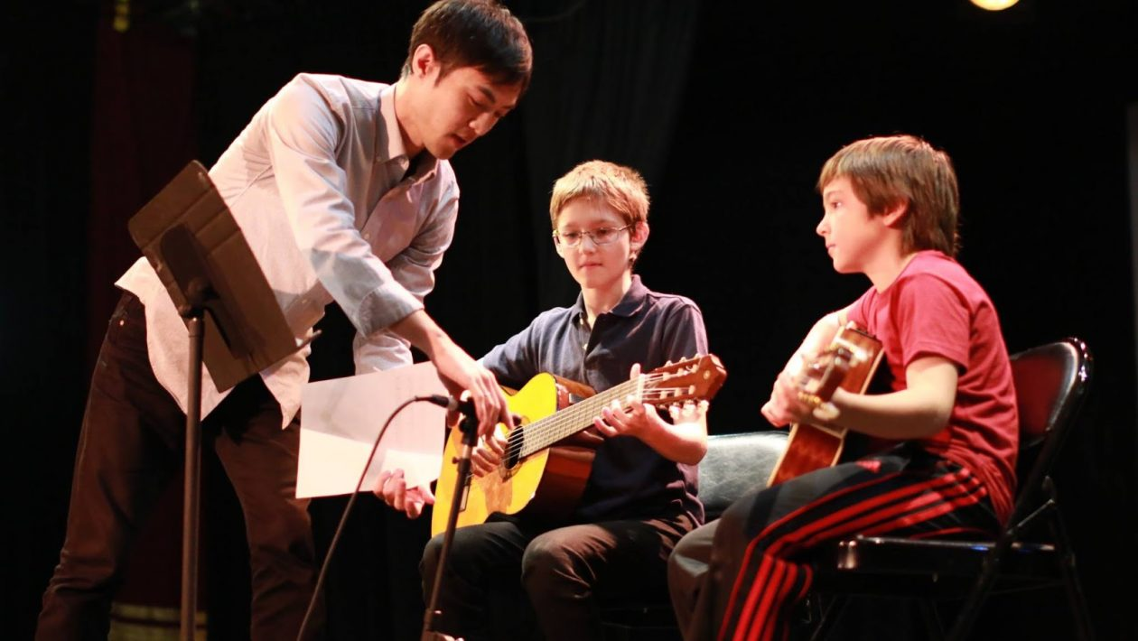 Why Are Guitar Classes For Kids Beneficial?